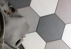 hexagon floor tile grey white