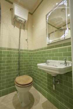 Victorian bathroom original style Artworks palm green