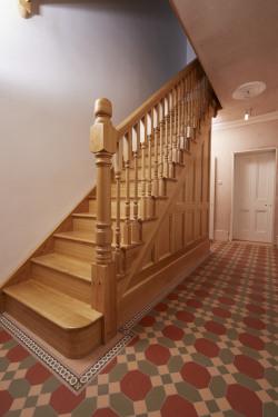 Victorian hallway tiling Warwick pattern Telford border original style