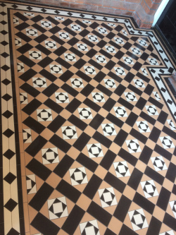 Victorian floor tiling Conway pattern Clare border original style