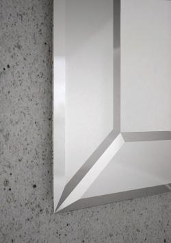 B006680-verona-mirror-mirror-closeup