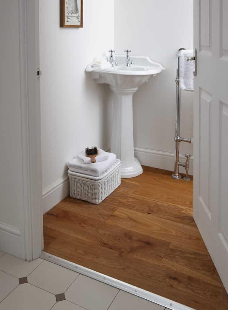 Imperial Oxford corner pedestal basin